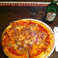 Das Foto wurde bei Pizza Vira von Daniel N. am 7/1/2013 aufgenommen