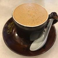 Photo taken at OldTown White Coffee by Kim J. on 1/6/2017