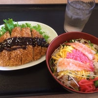 Photo taken at めし処 いも膳 泉大津店 by Taka H. on 10/31/2013