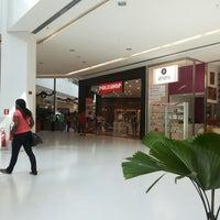 Photo taken at Polishop - Shop Bela Vista by Izac T. on 12/4/2013