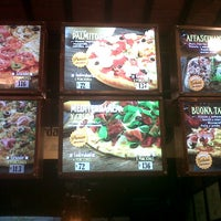 Photo taken at Questa Pizza by Romina B. on 10/4/2014
