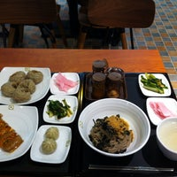Photo taken at 메밀헌 마리오 아울렛점 by Soon rong Y. on 9/13/2013