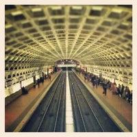 12/16/2012 tarihinde Brian S.ziyaretçi tarafından Gallery Place - Chinatown Metro Station'de çekilen fotoğraf