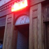 Photo prise au Bar Isabel par Zeeshan H. le8/2/2013