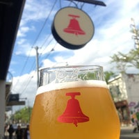 Снимок сделан в Bellwoods Brewery пользователем Zeeshan H. 6/8/2013