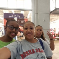 Photo taken at Old Navy by Vema A. on 6/26/2016