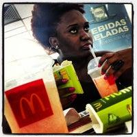Foto tirada no(a) McDonald's por Tiago L. em 2/17/2013