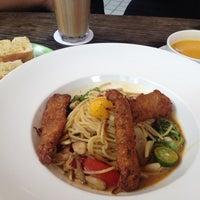 Photo taken at handwich + CAFE 漢明治 by Tsan L. on 4/6/2015