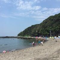 Photo taken at 荒井浜海水浴場 by Asanao T. on 7/18/2016