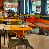 Foto tomada en Patio de comidas por Miguel F. el 1/27/2014