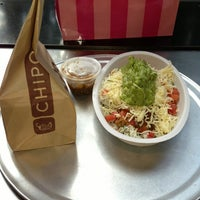 Photo taken at Chipotle Mexican Grill by Dani on 7/23/2013