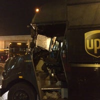 Photo taken at UPS Customer Center by Gilberto on 11/24/2016