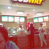 Foto tirada no(a) Subway por Sidinei C. em 11/21/2013
