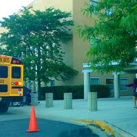 Foto tomada en Northside College Preparatory High School por Irwin ♔ R. el 6/13/2014