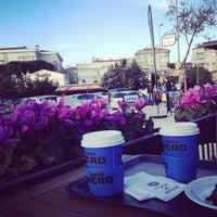 3/24/2013 tarihinde Ezgi C.ziyaretçi tarafından Caffè Nero'de çekilen fotoğraf