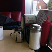 Photo taken at SouthSide Diner by Lynh N. on 4/5/2014
