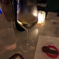 Das Foto wurde bei Air's Champagne Parlor von Donna S. am 10/6/2018 aufgenommen