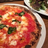 Photo taken at pizzeria Due Sette by Hisanori O. on 4/22/2014