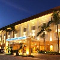 Photo taken at Hotel Saphir Yogyakarta by Akhyari B. on 11/10/2013