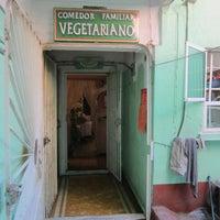 Foto tomada en Comedor Familiar Vegetariano por Tamara S. el 11/15/2013