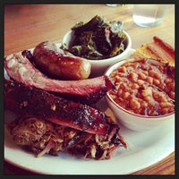 3/10/2013 tarihinde Michelle Y.ziyaretçi tarafından Podnah's Pit BBQ'de çekilen fotoğraf