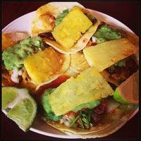 Das Foto wurde bei Tacos Chukis von Michelle Y. am 1/19/2013 aufgenommen