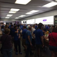 Photo taken at Apple Briarwood by Eric T. on 9/27/2014