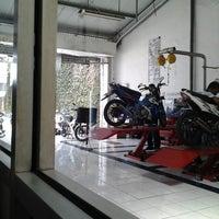 Photo taken at Suzuki Hero Sakti Motor Gemilang by Eva Oktavia K. on 11/26/2012