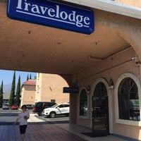 Photo taken at Travelodge Pasadena by Sota on 8/9/2015