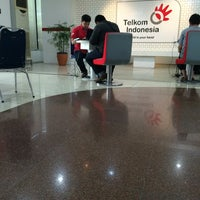 Photo taken at Plasa Telkom Jakarta Timur by Etu on 11/7/2015