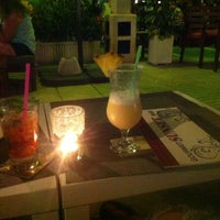 Photo taken at gourmet sunset bar by Alejandro R. on 8/16/2014