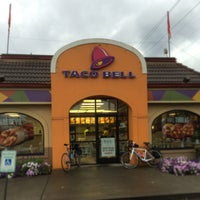 Photo taken at Taco Bell by David H. on 8/29/2015