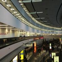 9/21/2013 tarihinde Nikitaziyaretçi tarafından Viyana Uluslararası Havalimanı (VIE)'de çekilen fotoğraf