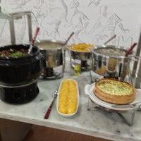 Foto tirada no(a) Luzita Gastronomia por Afonso R. em 1/30/2013