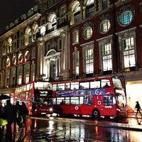 1/28/2013 tarihinde The C.ziyaretçi tarafından Oxford Street'de çekilen fotoğraf