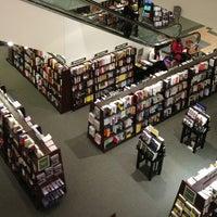 Foto tirada no(a) Barnes & Noble por Bryan H. em 1/4/2013