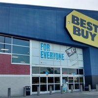 Photo taken at Best Buy by Cleiton A. on 4/16/2014