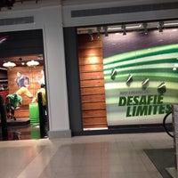 Foto tirada no(a) Nike Factory Store por Vinicius N. em 10/30/2013