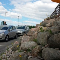 Photo taken at Design Hill parkkipaikka by Osmo P. on 5/25/2013