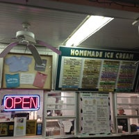 Photo taken at White Farms Homemade Ice Cream by DV G. on 11/22/2012