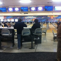 Photo taken at Brunswick Zone Cal Oaks Bowl by Rowell F. on 12/25/2012