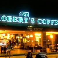 Photo taken at Robert's Coffee by Burakcan Y. on 7/24/2015