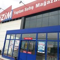 Photo taken at BİZİM Toptan Satış Mağazaları by Kazim G. on 5/29/2017