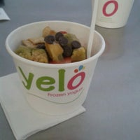 Photo taken at Yelo Frozen Yogurt by Juli B. on 11/24/2013
