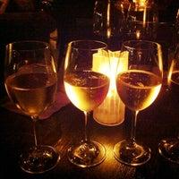Foto tirada no(a) Sonoma Wine Bar & Restaurant por Janel em 10/27/2012