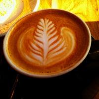 Das Foto wurde bei Houndstooth Coffee von Adam L. am 11/28/2012 aufgenommen