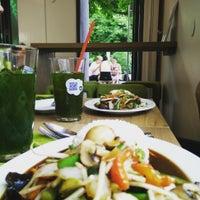 Das Foto wurde bei Pi-Nong Authentische Thai-Küche von Jonathan S. am 7/23/2015 aufgenommen