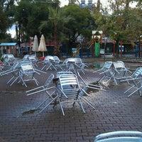 11/21/2013 tarihinde William H.ziyaretçi tarafından Çınaraltı Cafe'de çekilen fotoğraf