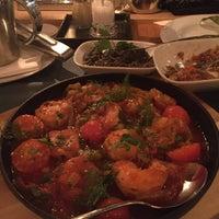 Das Foto wurde bei Restaurant Kara's von arkın k. am 12/22/2015 aufgenommen