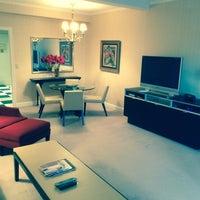 Foto diambil di Lombardy Hotel oleh Travis G. pada 5/4/2014